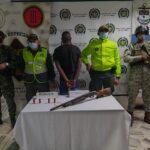 En las últimas horas la fuerza pública, capturaron un sujeto con arma de fuego y munición ilegal en Buenaventura